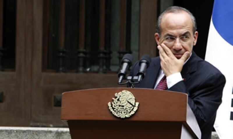 Los usuarios que deseen plantear preguntas al Presidente Calderón podrán hacerlo antes del 5 de septiembre. (Foto: AP)