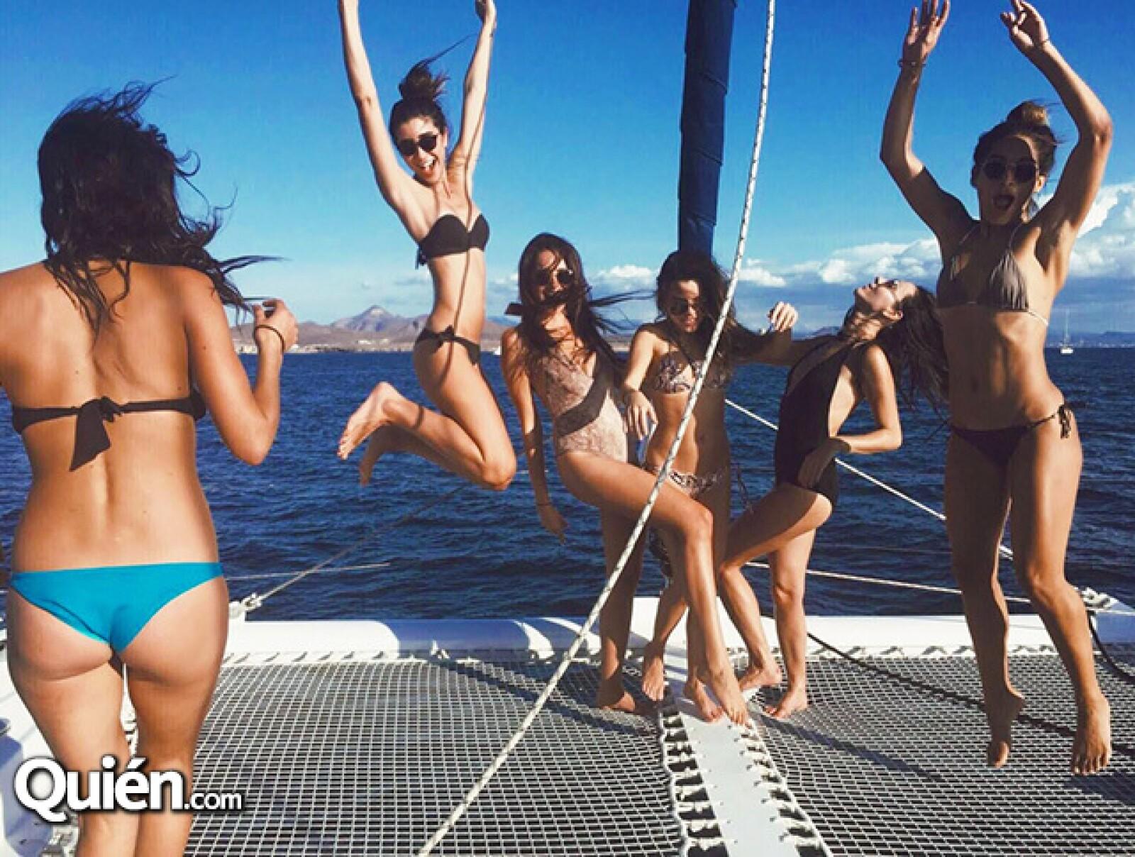 Ananda Mora,Chloe Amutio. Erika Vargas,Karina Torres,Chantal Torres e Ivonne Arambula