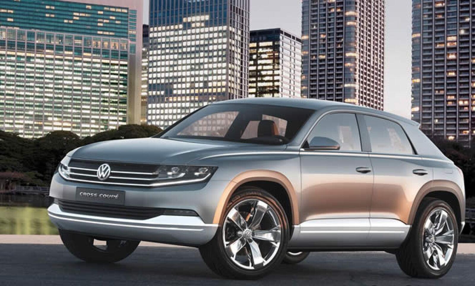 La marca alemana dio a conocer en el Auto Show de Tokio su nuevo prototipo, el Volkswagen Cross Coupé, que combina trazos entre una SUV y un 'coupé' de cuatro puertas.