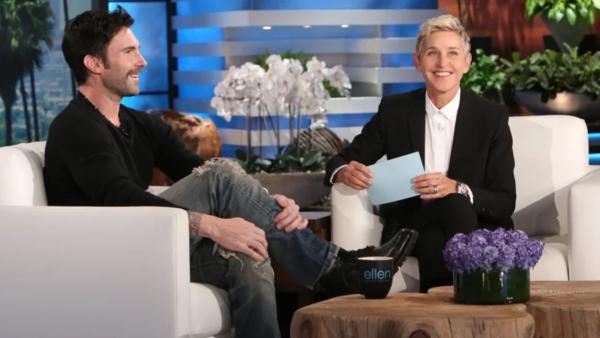 Ellen DeGeneres y Adam Levine