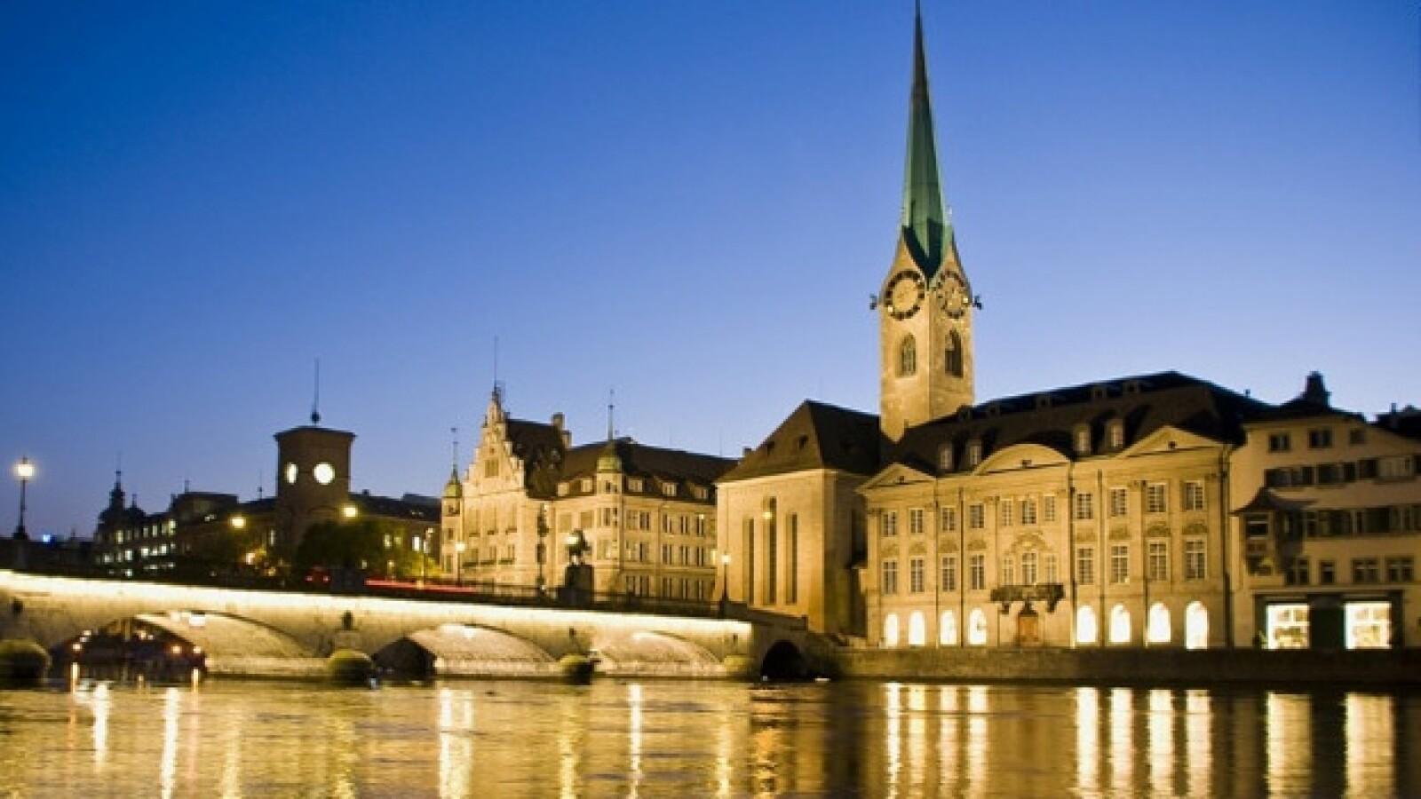 zúrich, suiza, viaje, escala, visita, tren, ciudad, cultura, historia