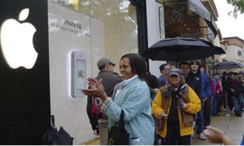 Apple anunció que había recibido más de 1 millón de pedidos del dispositivo. (Foto: Reuters)