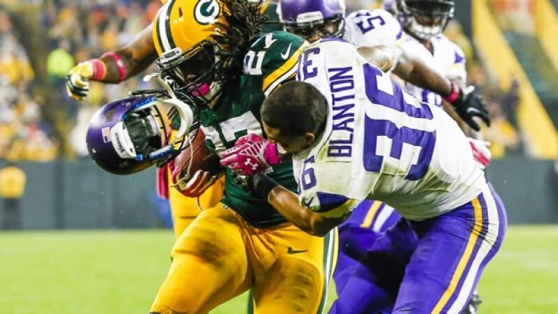 Los golpes al cerebro en los juegos de la NFL pueden resultar peligrosos y dañar la salud de los exjugadores