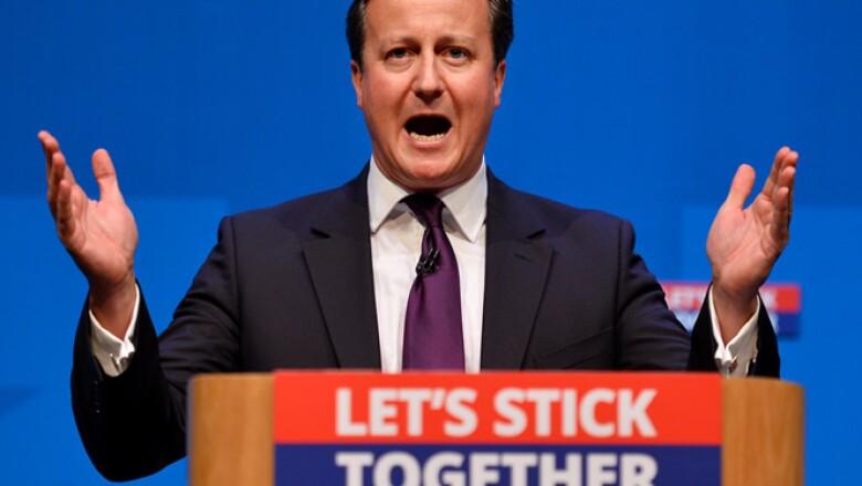 El primer ministro inglés, James Cameron, dijo que respetarán la decisión de Escocia pero ofreció que de quedarse en el Reino darán más autonomía a la región.