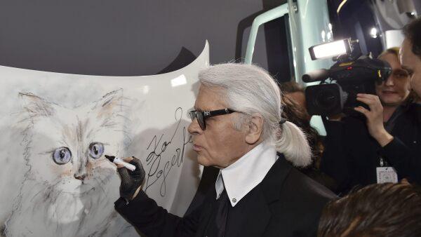 Lagerfeld y su gato
