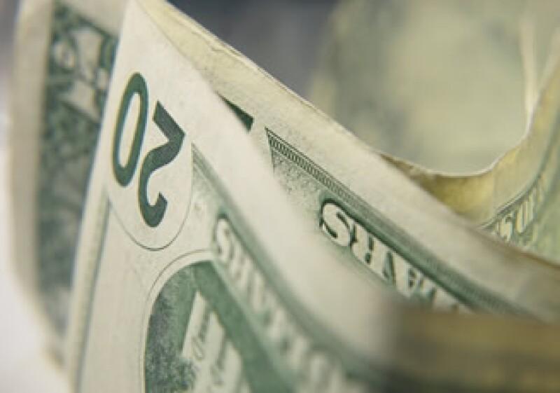 La ABM sugiere que los turistas cambien sus dólares por pesos al ingresar al país. (Foto: Jupiter Images)