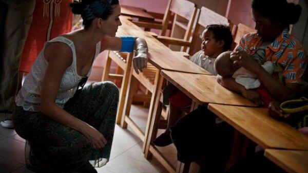 `En menos de una semana aquí en Madagascar, pasé de barrios marginales de la ciudad de hacinamiento a las aldeas más remotas, y mis ojos se abrieron ampliamente por la increíble necesidad de una vida sana , nutrición, saneamiento y protección contra las violaciones y abusos, que el Unicef están interviniendo para ayudar a proveer´, dijo.