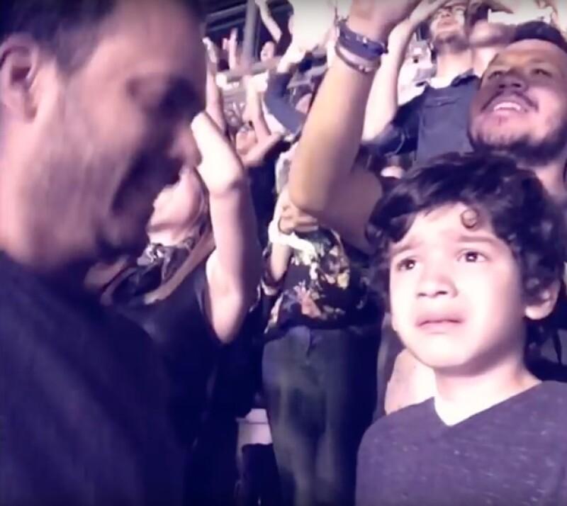 """La banda tuvo un gran gesto con el pequeño con autismo que se dio a conocer luego de que su papá difundiera un video de su reacción al escuchar su canción favorita """"Fix You""""."""