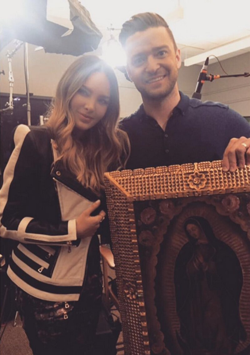 """La cantante le regaló a Justin un cuadro de la Virgen de Guadalupe, durante la promoción de la película """"Trolls"""" en la que ambos prestan su voz."""