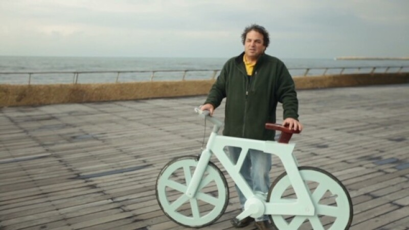 bicicleta de carton Izhar Gafni