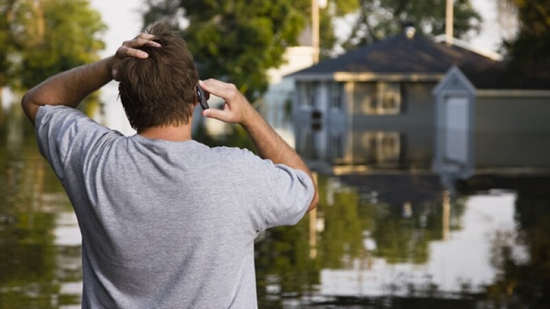 desastre natural, inundacion, casa, celular