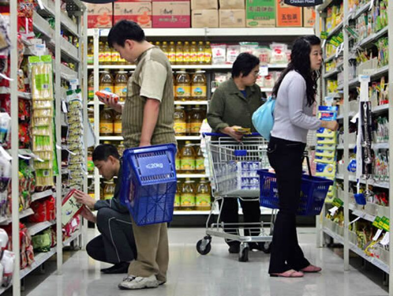 El gobierno chino también prepara un nuevo plan de estímulo para impulsar el consumo, según medios. (Foto: AP)