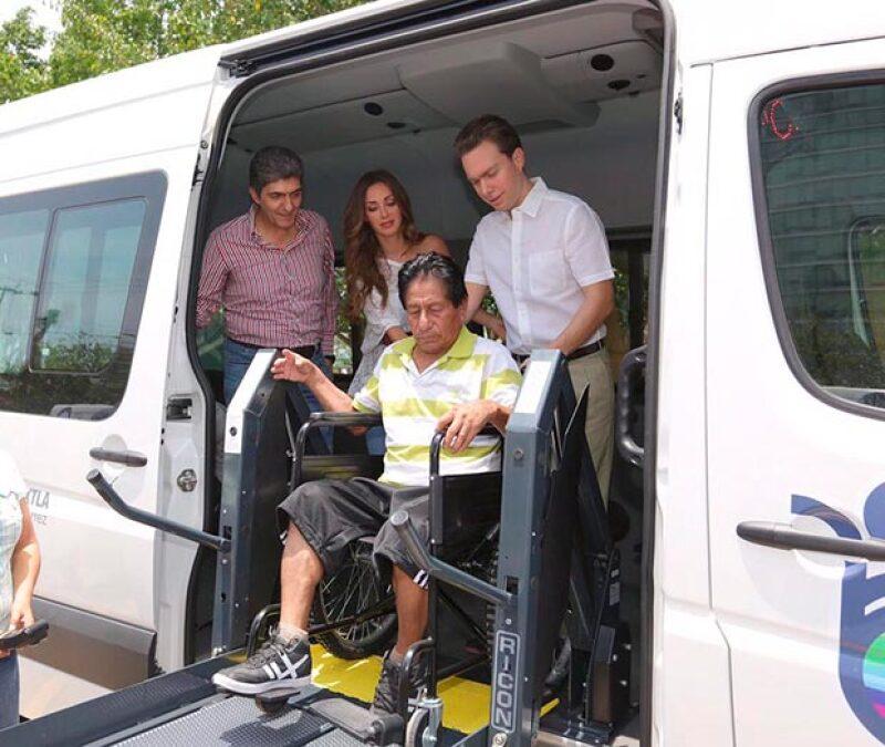 Posteriormente pusieron en marcha camiones de utilidad para personas con discapacidad.