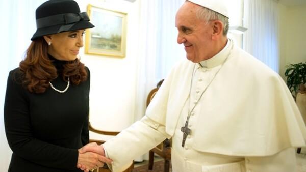 La presidenta de Argentina se reunió este lunes con Francisco en el Vaticano, con quien en el pasado su esposo, ex presidente argentino, tuvo fuertes diferencias.