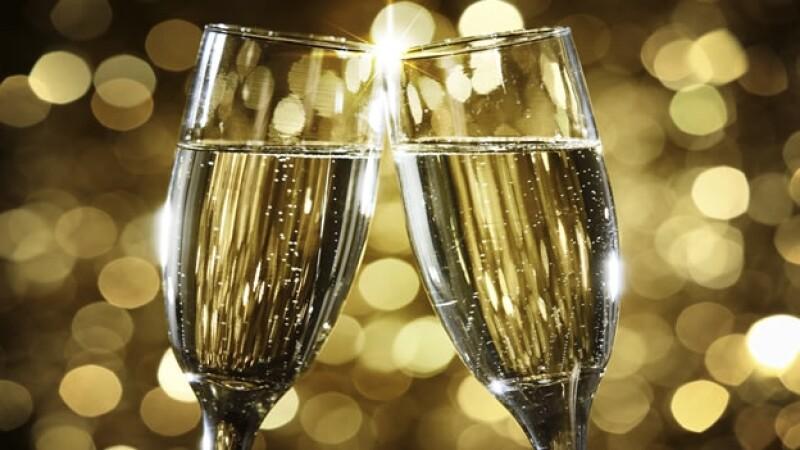 brindis año nuevo copas