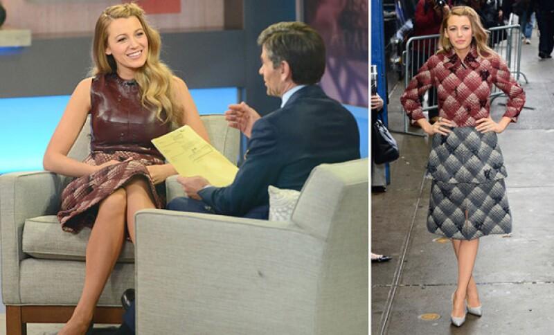 La guapa actriz hizo su aparición en Good Morning America con dos outfits distintos, uno a su llegada al show, y otro durante la entrevista. Todos bajo el sello de Marc Jacobs.
