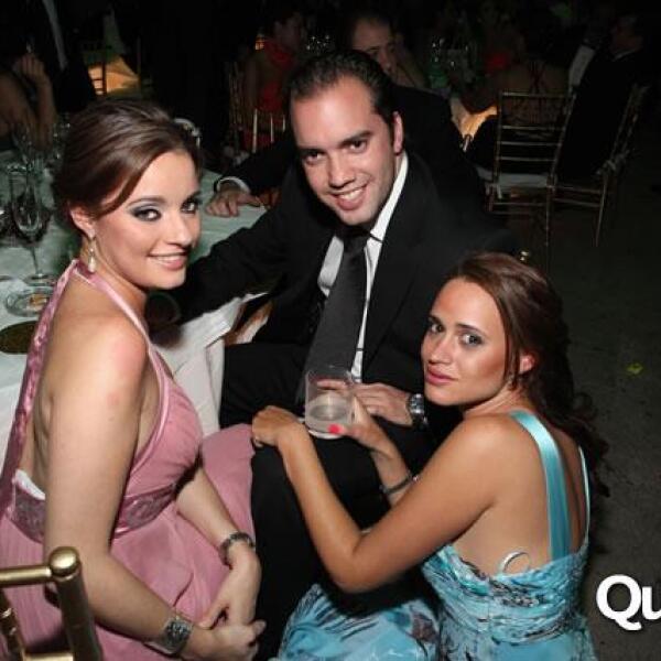 Cynthia Cedeño,Hugo Pérez-Pla,Juliana Martínez