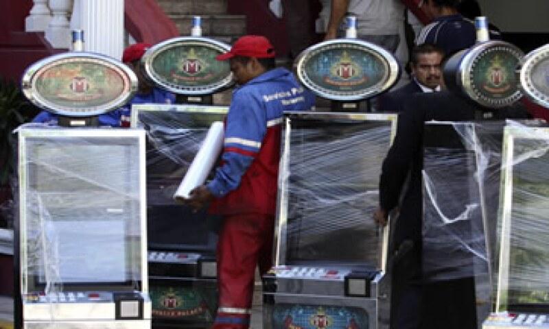 El Senado busca aprobar la ley que regule las operaciones de los casinos en México. (Foto: Reuters)