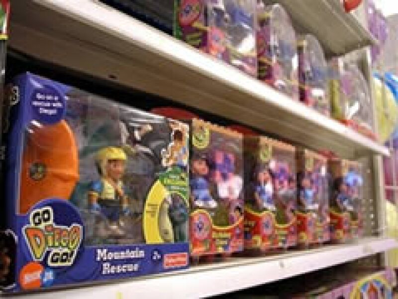 No es la primera vez que la juguetera sufre penalizaciones por comerciar juguetes con niveles peligrosos de plomo. (Foto: AP)