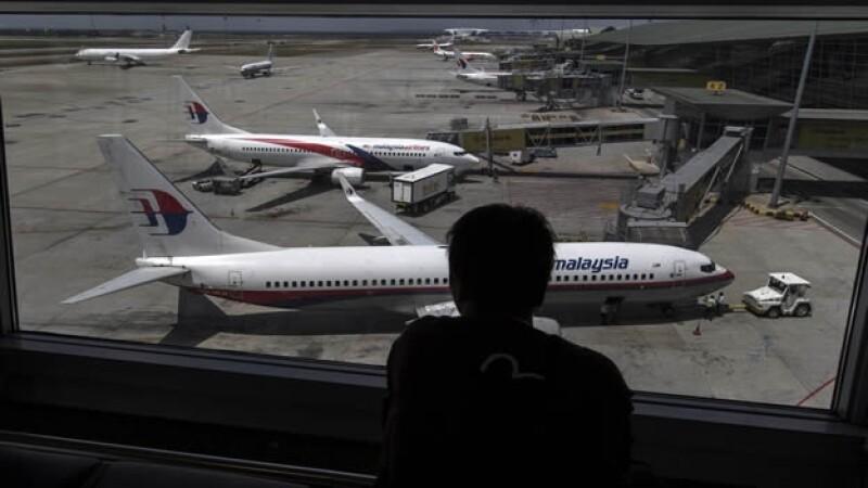 Aviones aeropuerto Kuala Lumpur