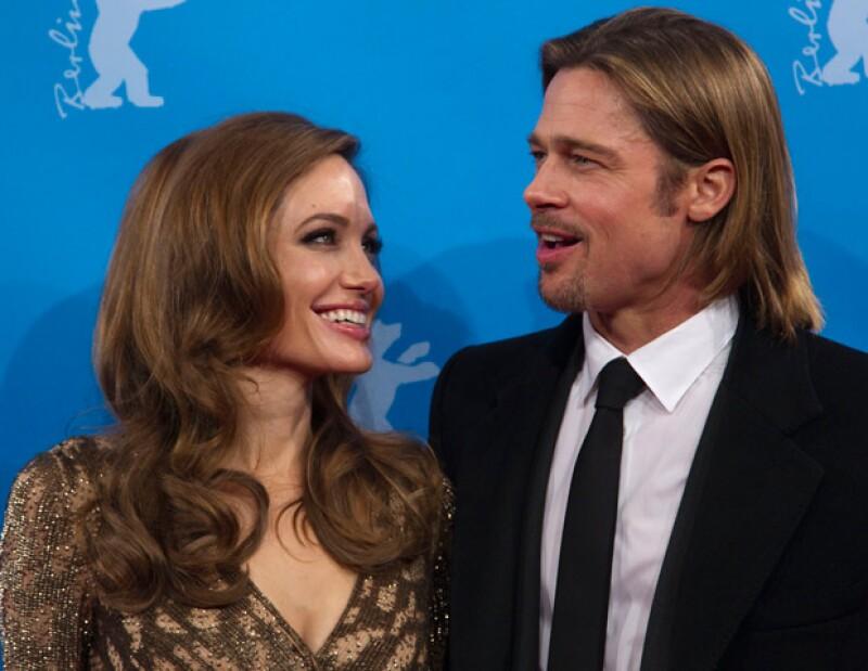 La famosa pareja de actores realizarán una fiesta en Londres, en donde tienen pensando invitar al Príncipe Guillermo y Kate Middleton.