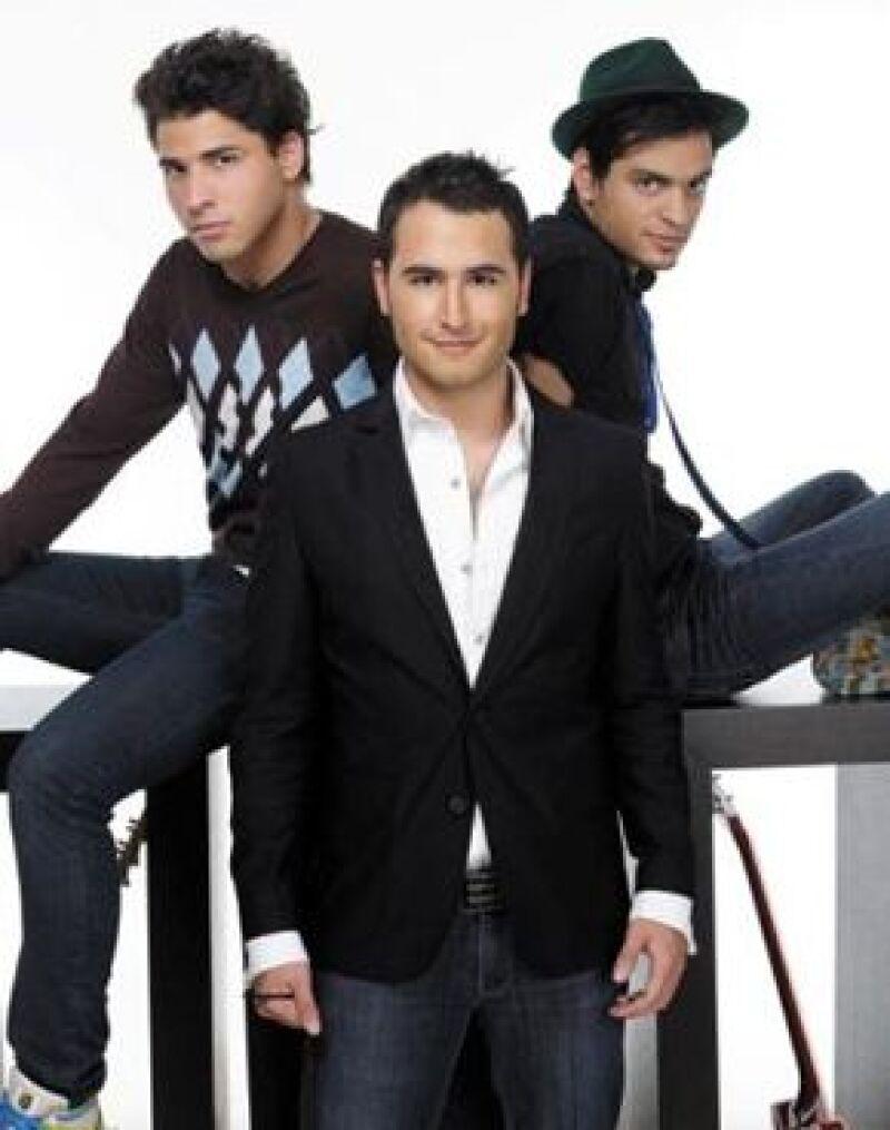 """La banda platicó con Quién.com sobre su tercer álbum titulado """"Un día más"""", disco de donde se desprenden canciones como """"Inolvidable"""" y """"Fui""""."""