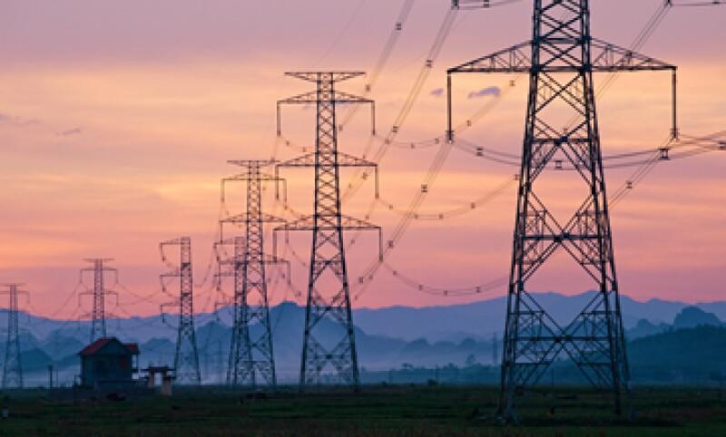La CFE informó que se planea la construcción de 27 termoeléctricas, con inversión de 13,000 mdd. (Foto: Getty Images)