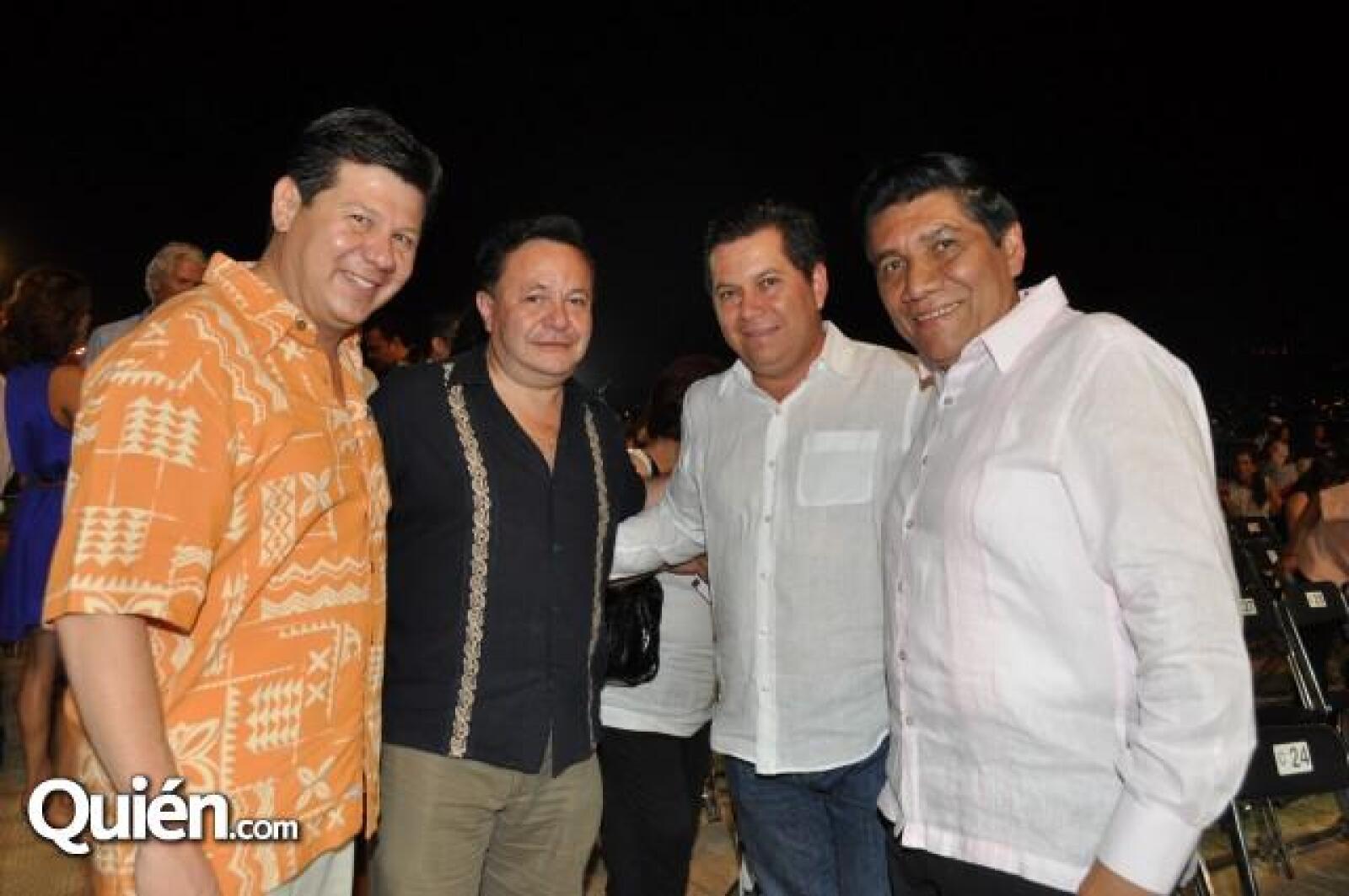 Arturo Palma Carro, Ramon Guadarama, Ricardo Moreno y Mario Moreno.