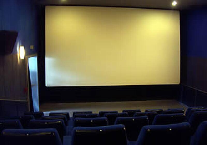 La industria cinematográfica está en peligro por los nuevos formatos de distribución y la piratería.  (Foto: Especial)
