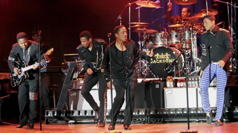 Los hermanos Jackson durante un concierto que ofrecieron en julio de 2013