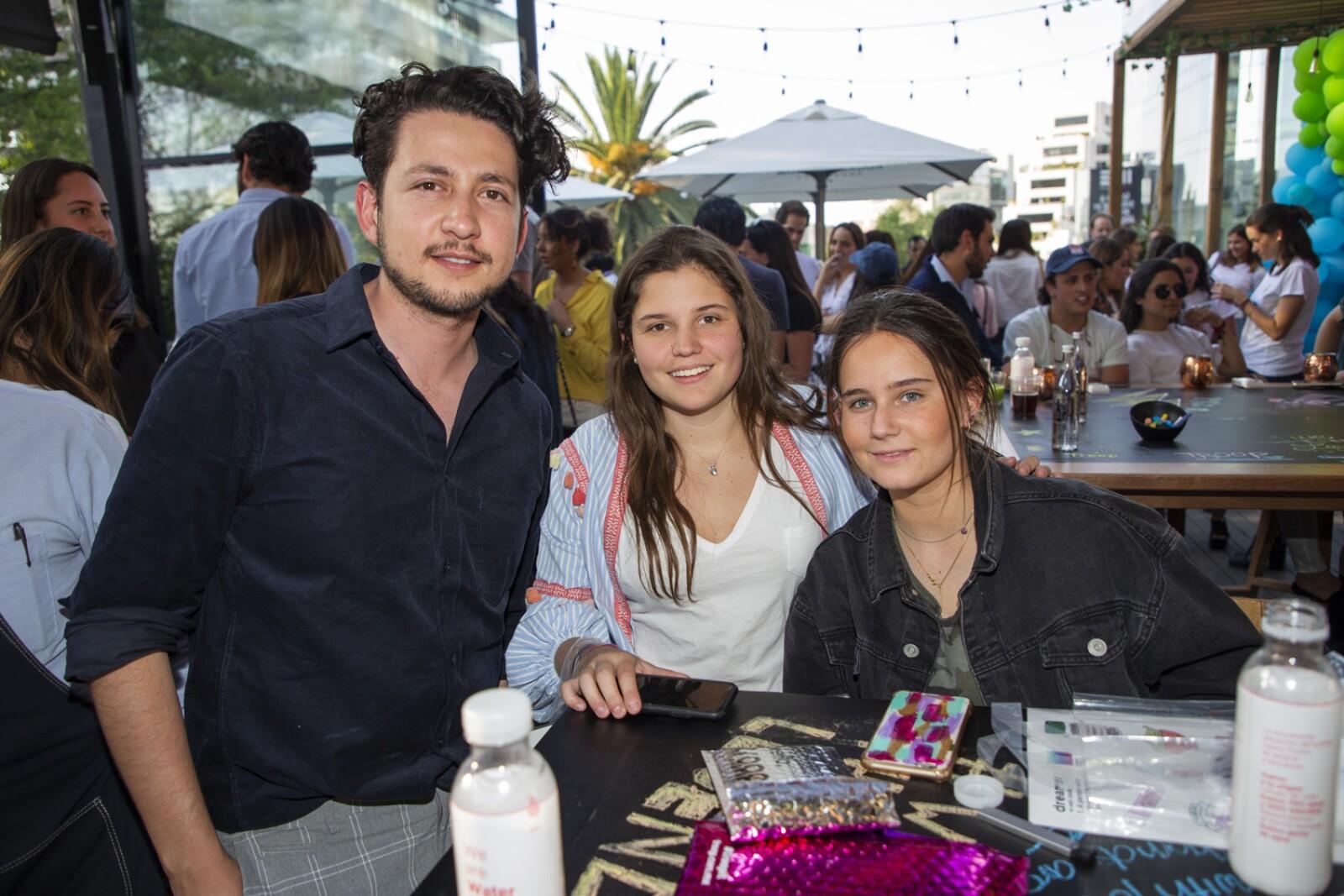 Jorge Perez, Ana Paula Larrea, Paloma Mijares