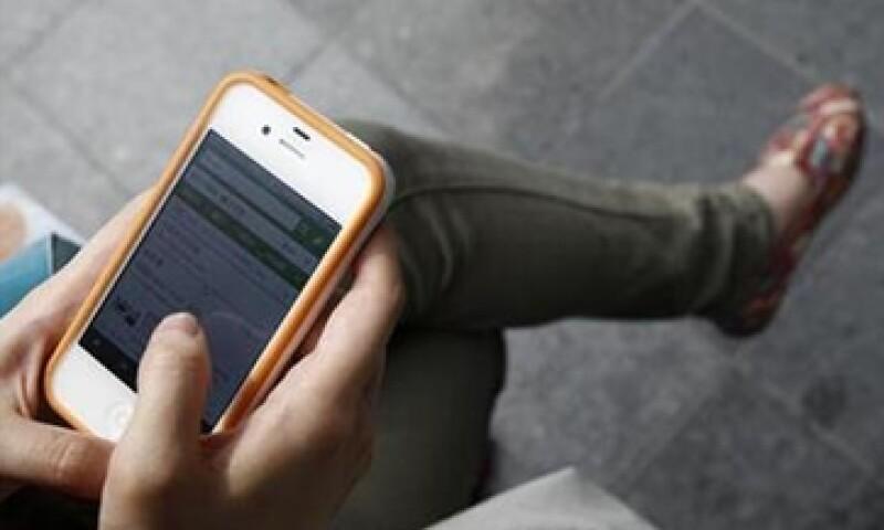 En México hay más de 97 millones de celulares, de los cuales 13 millones son teléfonos inteligentes. (Foto: Reuters)