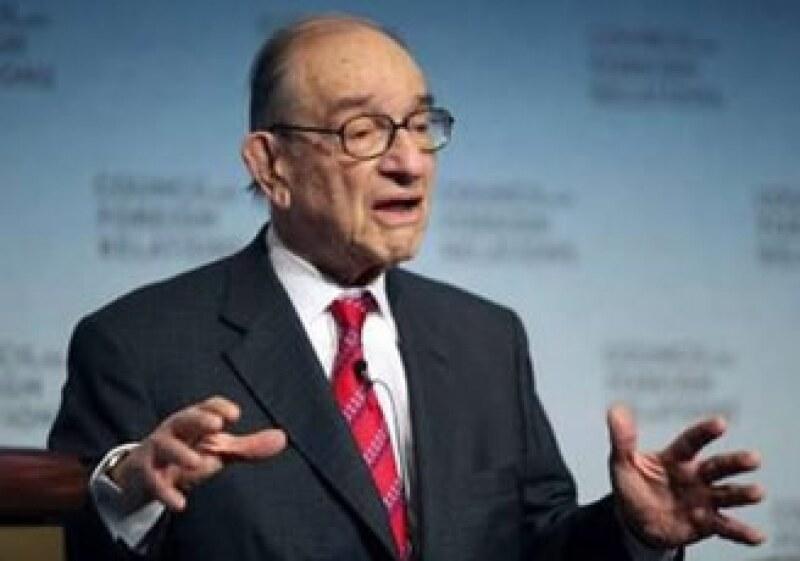 Estados Unidos debe actuar para disminuir su gran déficit presupuestario, afirmó Alan Greenspan. (Foto: Reuters)