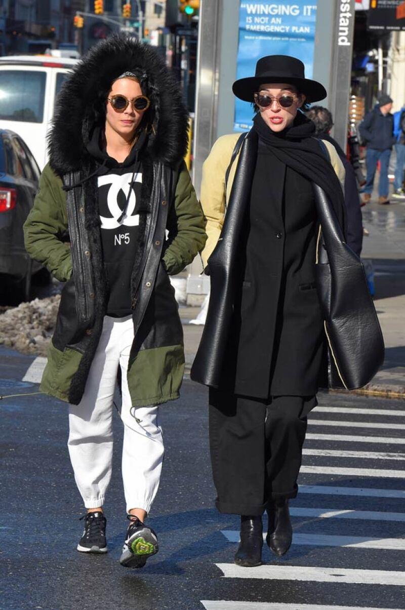 La modelo inglesa y la cantante ya han sido vistas en otras ocasiones juntas paseando.
