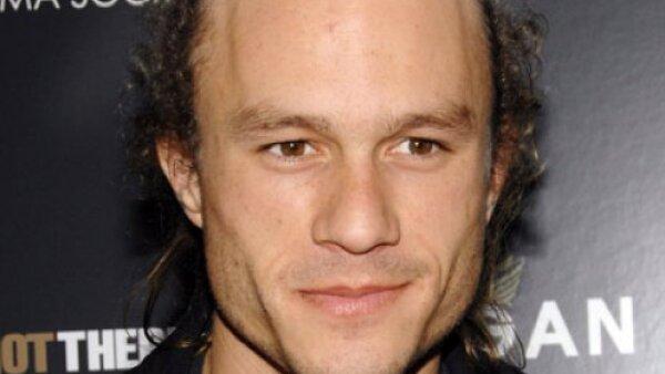 El actor australiano Heath Ledger, quien falleció en enero a los 28 años de edad de una sobredosis accidental, obtuvo un salario de 20 millones de dólares.