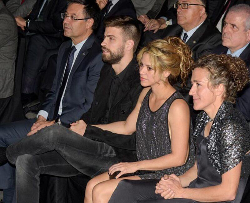 Shakira mostró todo su apoyo a Piqué tras su emotivo discurso.