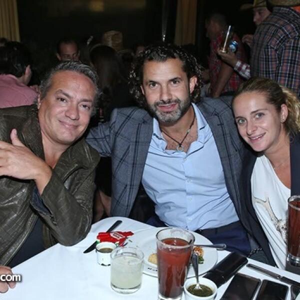 Cinthya Todd y Edgar Martínez