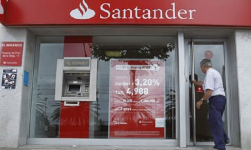 Santander colocará en la Bolsa mexicana, el 24.9% de su negocio en el país. (Foto: Reuters)