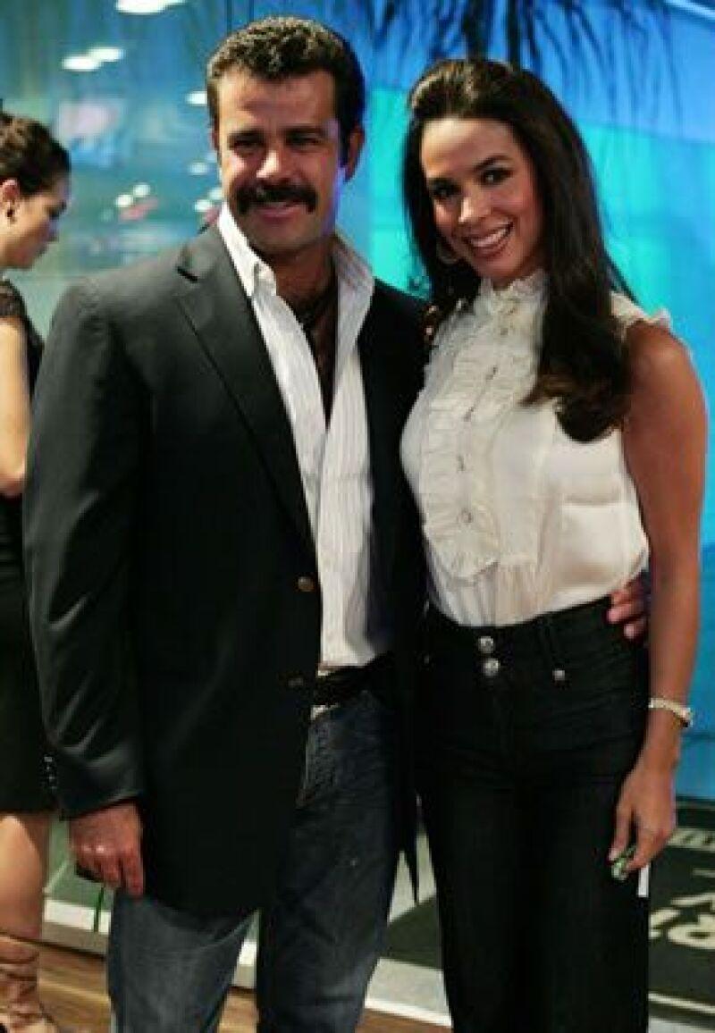 Después de 10 años alejada de la actuación, hará un papel al lado de su esposo Eduardo Capetillo.