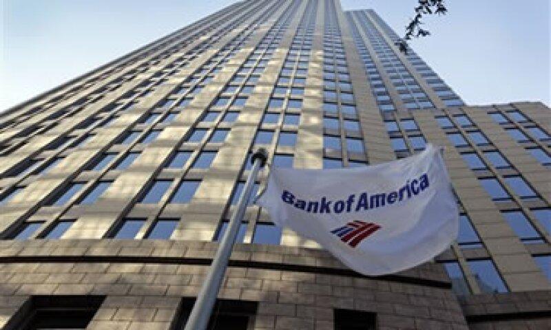 Bank of America anunció que eliminará 30,000 empleos en los próximos años para ahorrar 5,000 mdd anuales. (Foto: AP)