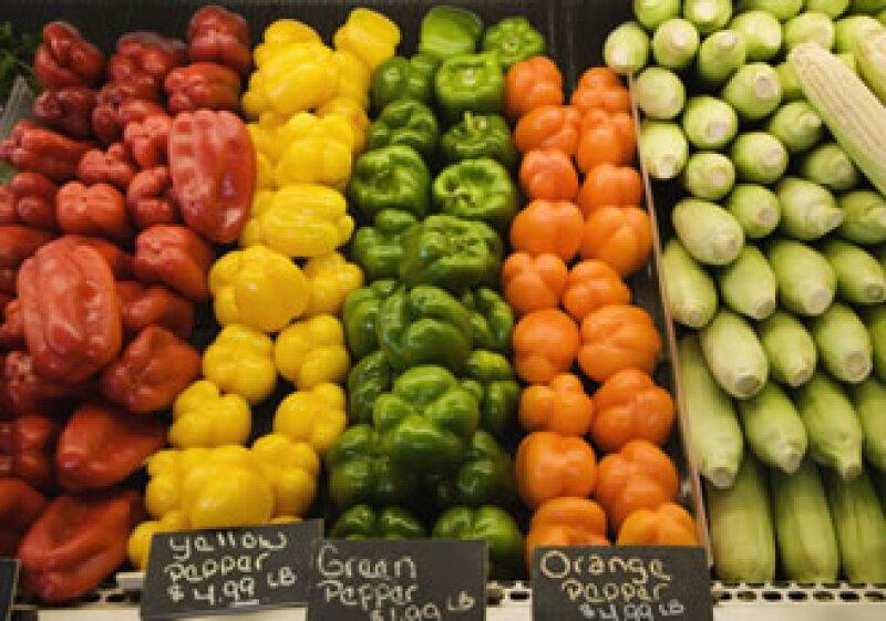 El BM señaló que el alza en los precios de los alimentos está relacionada con el incremento en el costo del crudo. (Foto: Photos to Go)