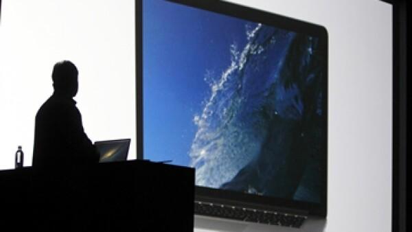 Los principales ejecutivos Apple presumieron los productos en la Wordlwide Developers Conference (WWDC).  (Foto: Reuters)