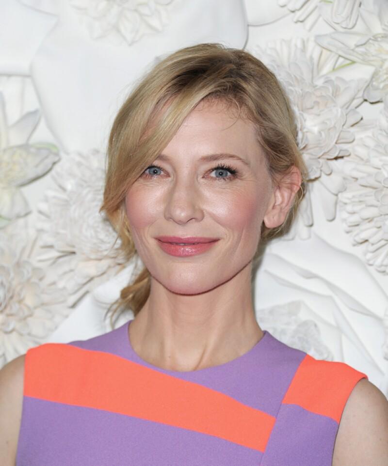 Fue durante una entrevista que la actriz reveló haber sostenido relaciones sentimentales con mujeres en el pasado.