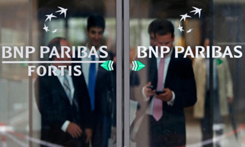 BNP Paribas había reservado 1,100 mdd para una posible sanción. (Foto: Reuters)