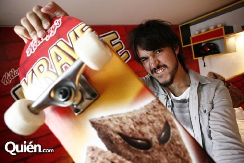 Diego se da tiempo para trabajar, leer, jugar videojuegos, hacer deporte y cuidar de su salud.