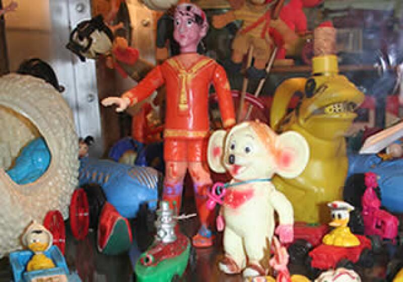 El Museo del Juguete Antiguo de México (Mujam), ubicado en el Distrito Federal, exhibe alrededor de 4,000 piezas de compañías que, entre 1910 y 1980, manufacturaron juguetes de latón y cartón.  (Foto: Olga Fabila)