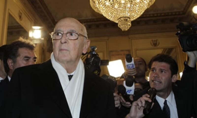 El 12 de noviembre Giorgio Napolitano aceptó la renuncia de Berlusconi y encargó a Monti la formación del nuevo Ejecutivo. (Foto: AP)