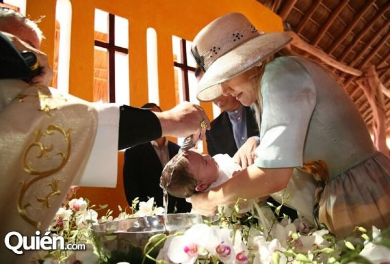 El bautizo se celebró en Careyes, Jalisco.