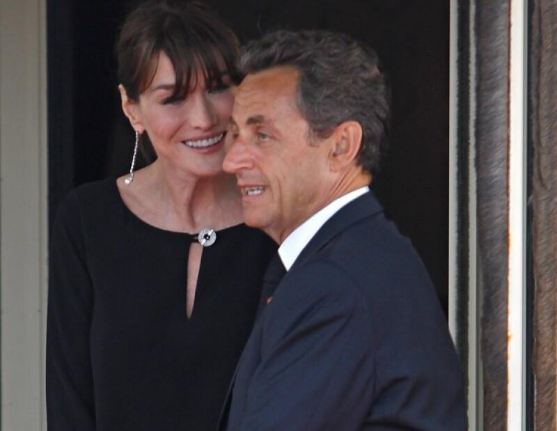 Carla Bruni y Nicolas Sarkozy están muy felices por el nacimiento de su hija.