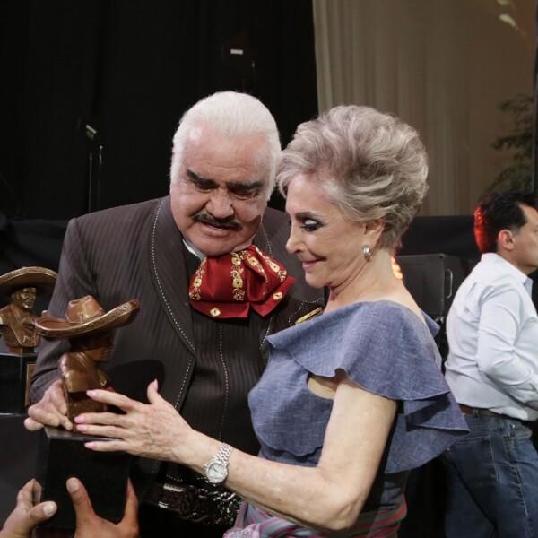 Vicente Fernández y Cuquita